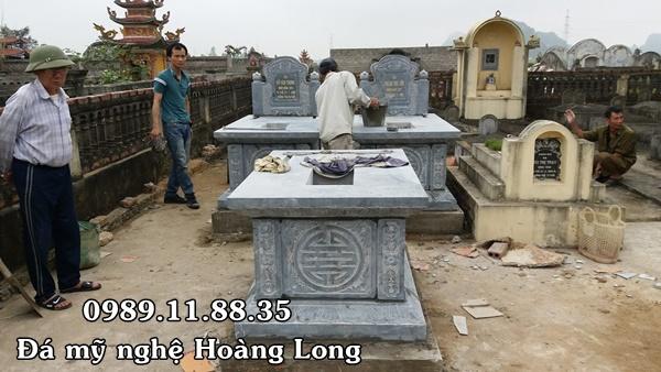 Mẫu mộ không mái bằng đá