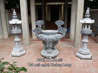 Lư hương đèn đá nhà thờ họ tại Hà Tây