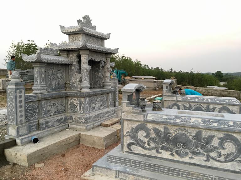Làm lăng mộ bằng đá xanh khối