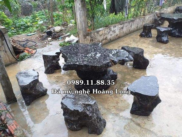 Bàn ghế đá tự nhiên nguyên khối