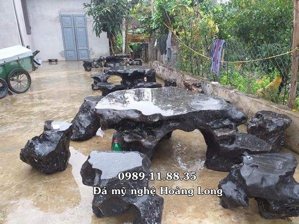 Bàn ghế đá tự nhiên Ninh Bình