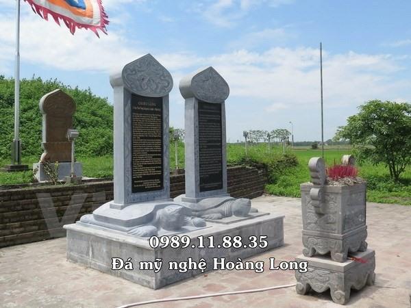 Bia tưởng niệm bằng đá
