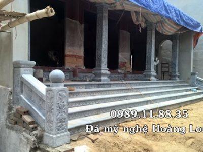 Cột hiên nhà thờ họ bằng đá