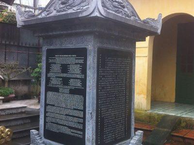 Cúng tiến bia đá tại đình chùa