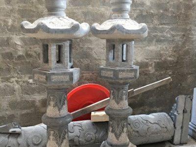 Mẫu đèn thờ lục lăng bằng đá