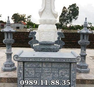 Lư hương đèn đá tại Nam Định