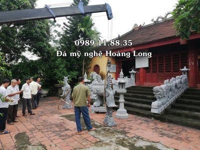 Làm lư hương đèn đá tại Thái Bình