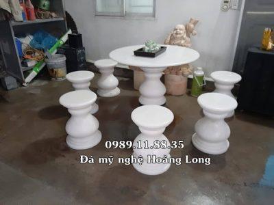 Mẫu bàn ghế đá tròn