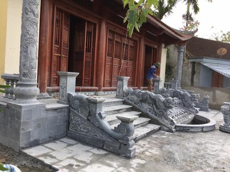 Nhà thờ họ bằng đá