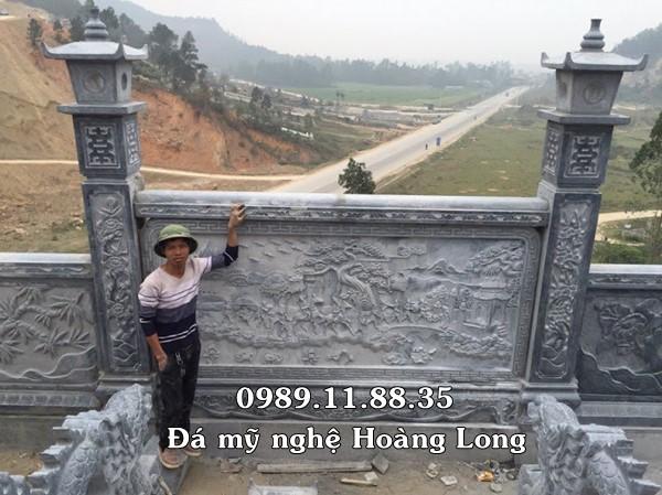 Hàng rào khu lăng mộ bằng đá