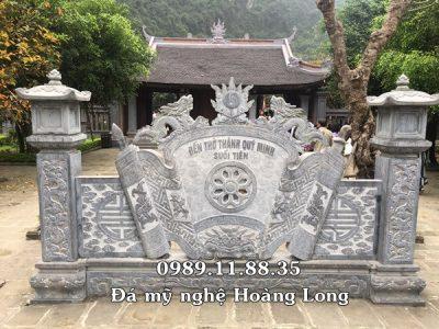 Lắp đặt cuốn thư đá đền thờ Thánh Quý Minh