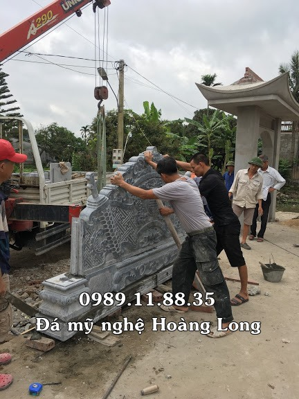 Lắp đặt cuốn thư nhà thờ họ Nguyễn Quang