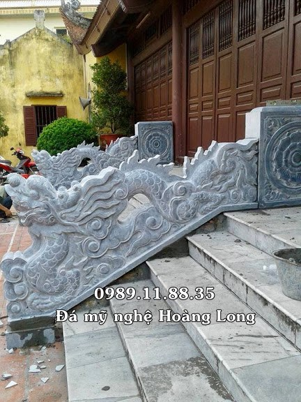 Rồng bậc tam cấp bằng đá