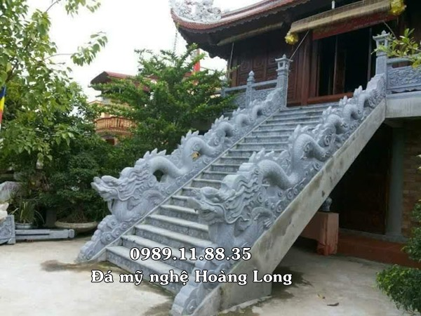 Rồng đá bậc thang