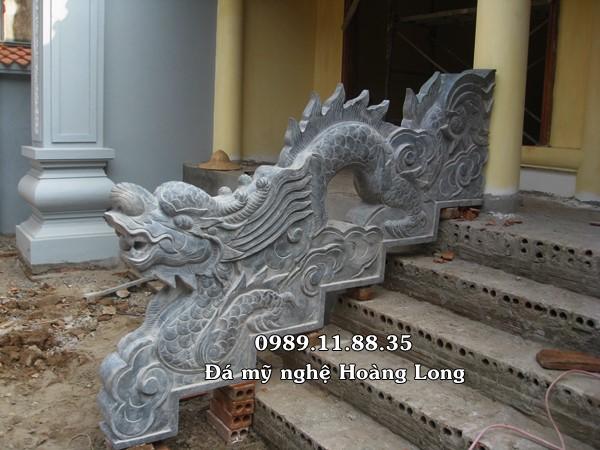 Rồng đá bậc thềm nhà thờ họ