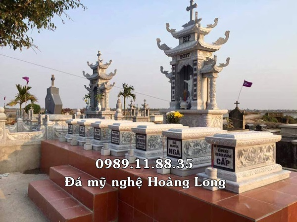 Khu lăng mộ đá công giáo tại Nam Định